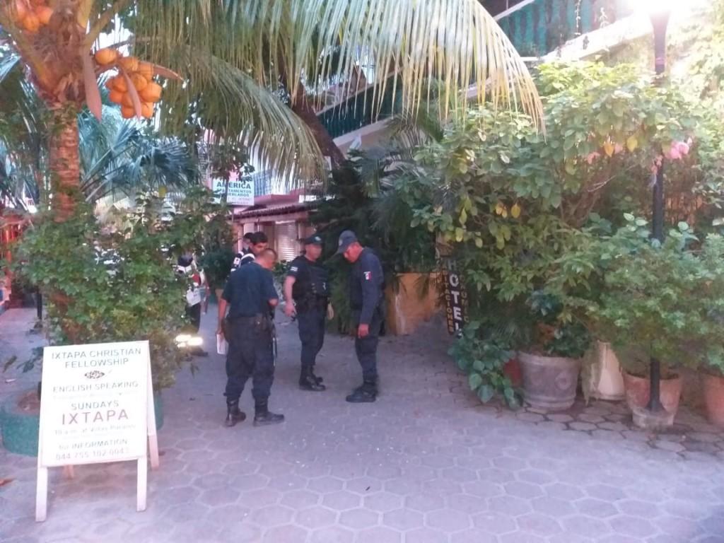 Photo of Asesinan a balazos en el centro de Zihuatanejo a cerrajero