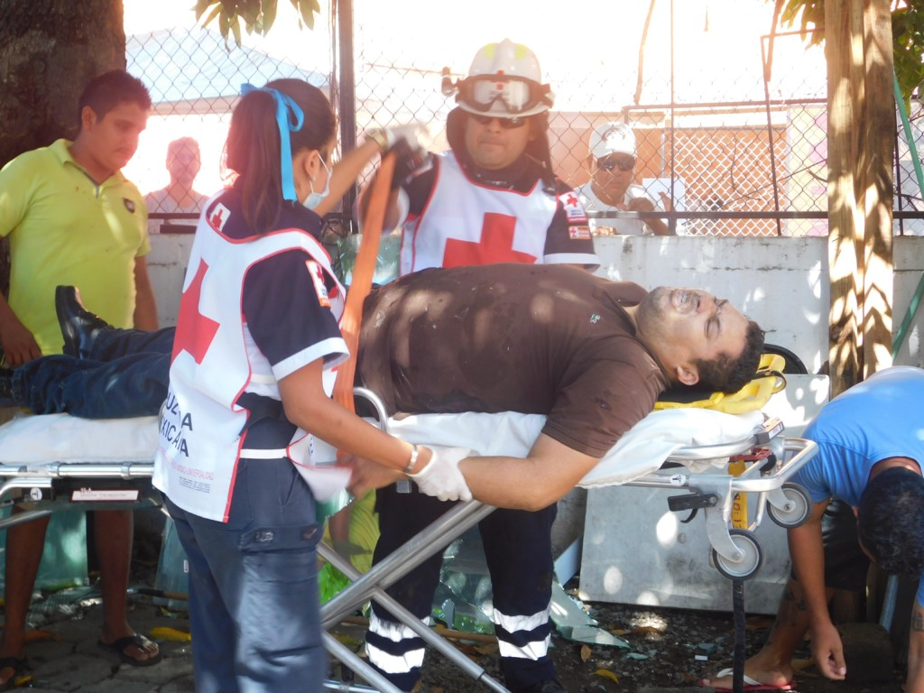 Photo of Muere tras ser baleado en el centro de Zihuatanejo