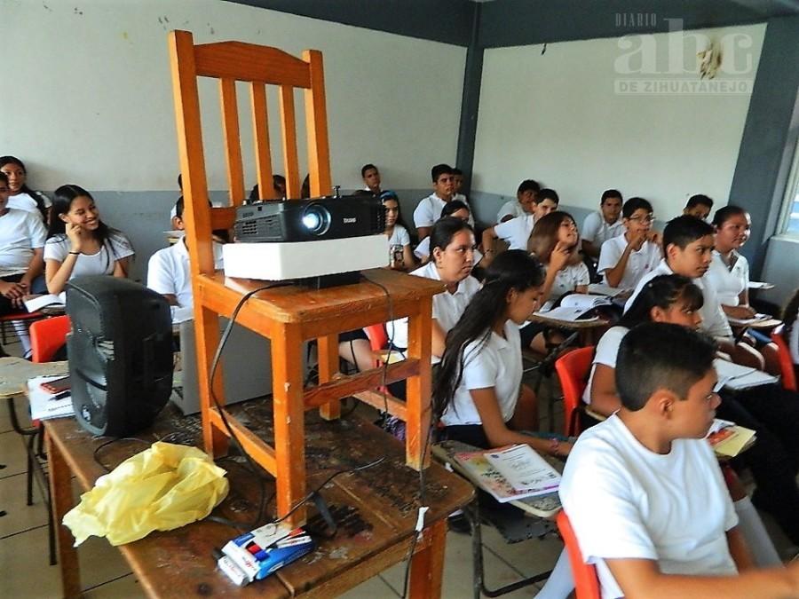 Photo of De aquí a diciembre la Prepa 13 deberá avanzar del nivel 4 al 2 en escuelas de calidad