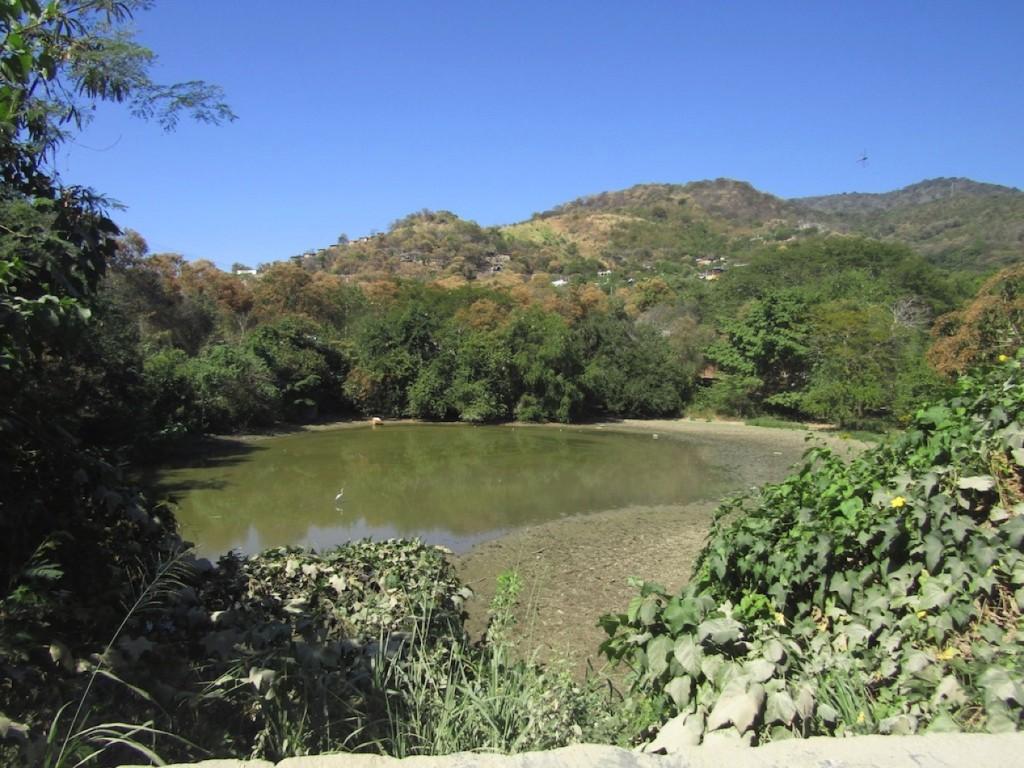 la-presa-zihuatanejo-.jpg