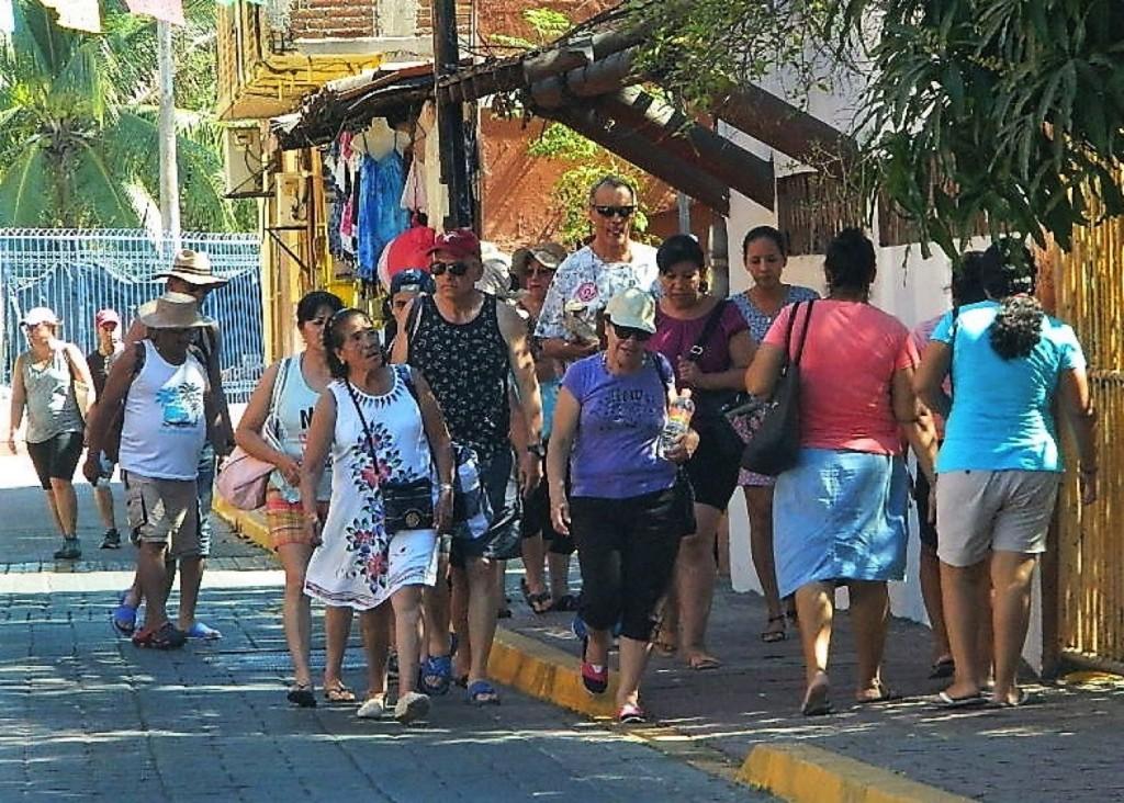 mejorando-actividad-turismo-zihuatanejo.jpg