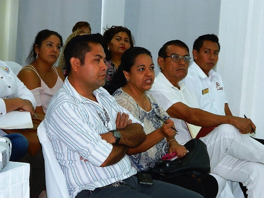 """Photo of Empresarios expresan dudas y temores sobre el programa """"Jóvenes Construyendo el Futuro"""""""