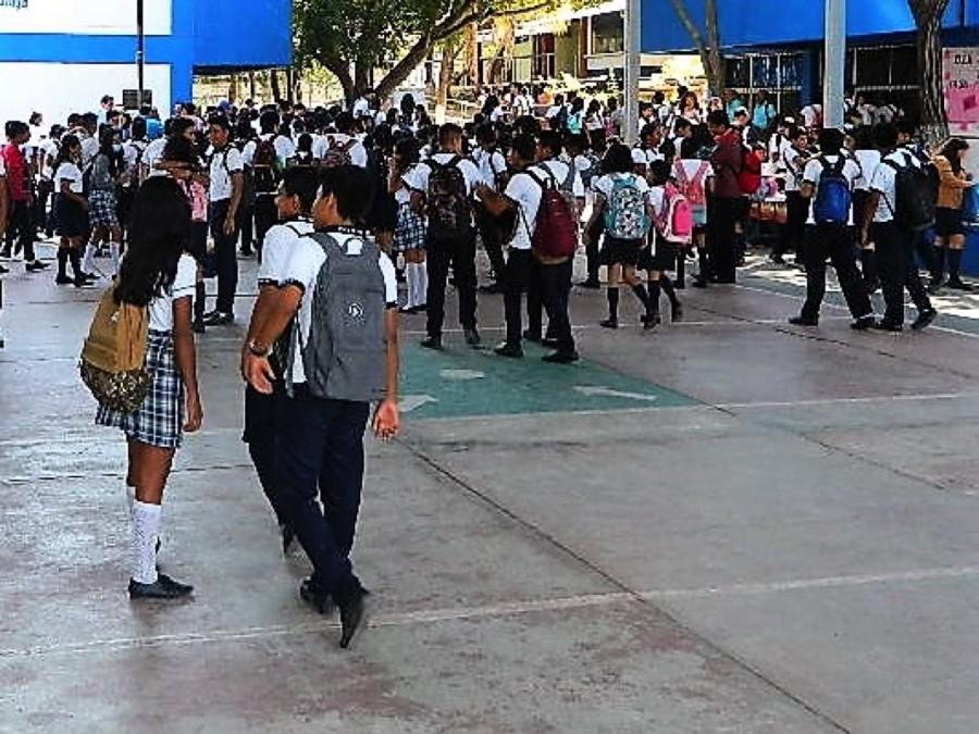 alumnos-vacaciones-zihuatanejo.jpg