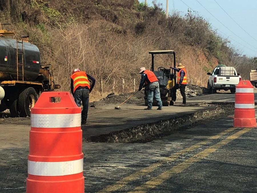 reparaciones-carretera-lazaro-zihuatanejo.jpg