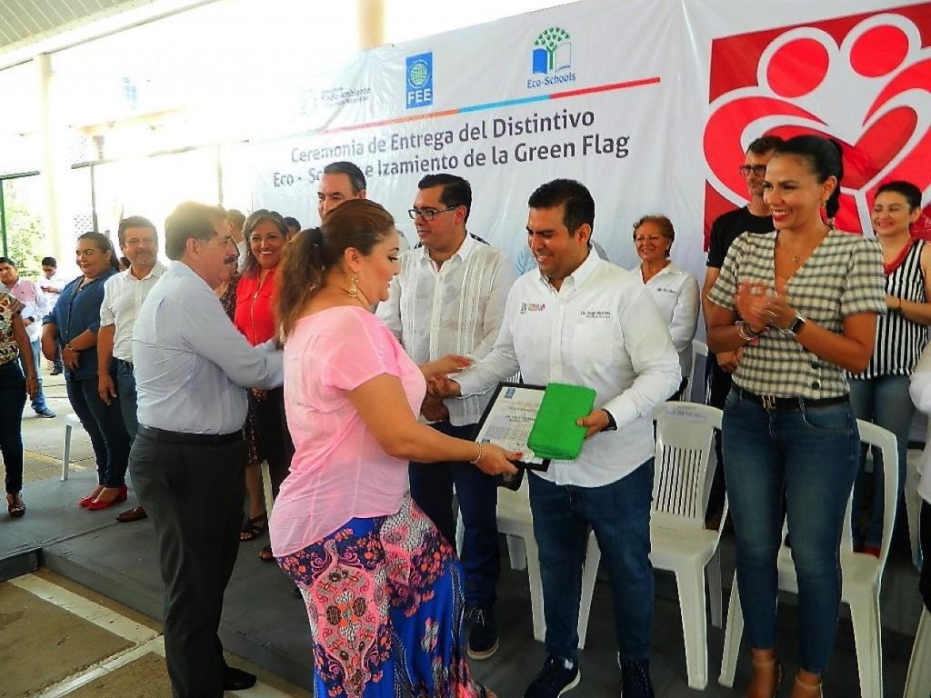 escuelas-reconocimiento-aciones-ambientales-zihuatanejo.jpg