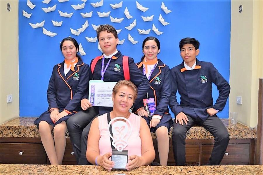 Photo of Alumnos del CECyTE de Petatlán viajarán a Sudamérica