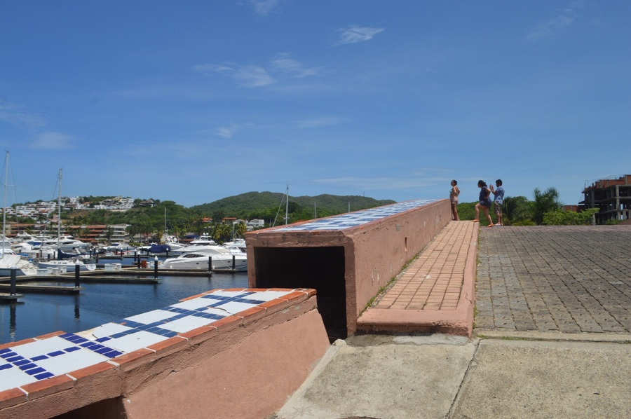 Photo of Basurero clandestino en medio del megaproyecto Marina Ixtapa