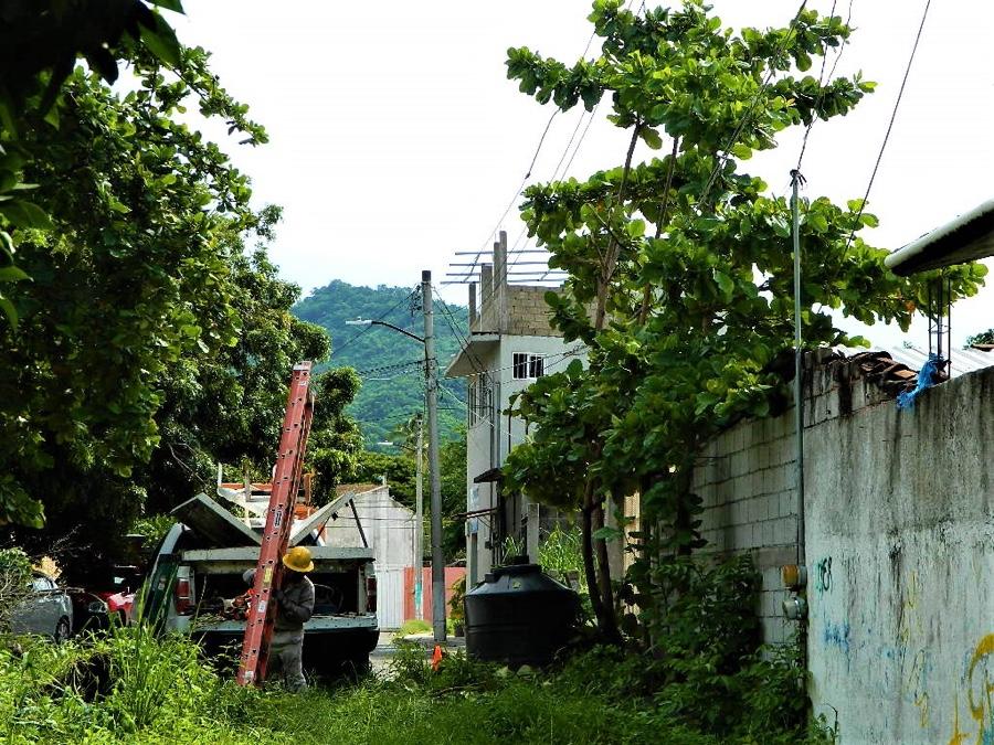 Photo of Sin luz un sector del centro por línea colapsada por las lluvias