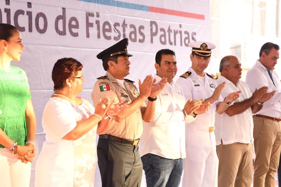 Photo of Presidente Jorge Sánchez Allec entrega cancha techada y barda perimetral en Primaria Águila que Cae