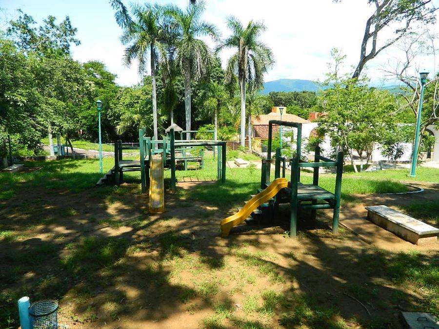 """Photo of En la ignominia el parque """"Los Amates"""" de Ixtapa sin ninguna  atención"""