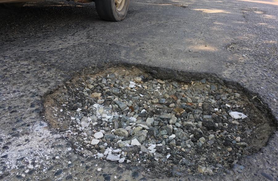 Photo of Bache en el tramo federal La Puerta-Zihuatanejo pone en riesgo a conductores