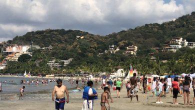 Photo of Playa La Ropa, lugar paradisiaco de predilección para el  turismo que visita Zihuatanejo