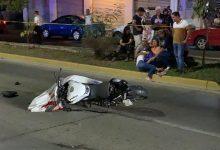 Photo of Muere motociclista al chocar contra un trailer en bulevar de Zihuatanejo