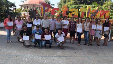Photo of Entrega el IEEJAG 30 Certificados de Primaria y Secundaria a beneficiarios de Petatlán