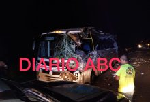 Photo of Al menos 4 heridos deja fuerte choque entre dos autobuses cerca de San Luis La Loma en Tecpan